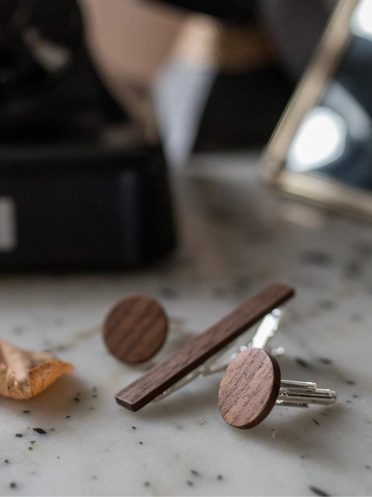 Χειροποίητα μανικετόκουμπα και clips Γραβάτας DionandFelle από φυσικό ξύλο - Συλλογή Cufflinks & Tie Clips